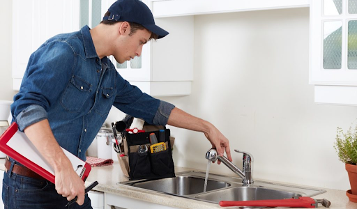 Look for These Signs to Decide Whether You Need A Plumber Service