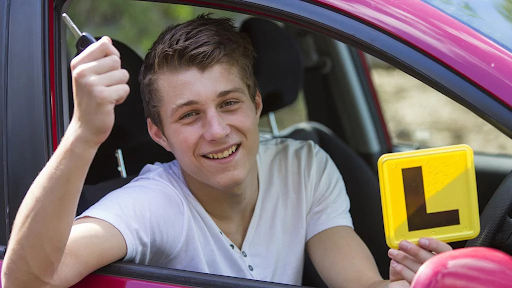 Top 6 Reasons Why Many People Fail In Their Driving Test