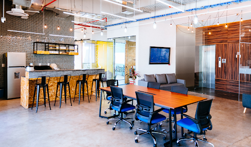 Modern Office Furniture Trends that Uplifts the Mood of Every Employee